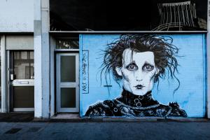 Tag représantant Edward Scissorhands par Squiddy Johnson.