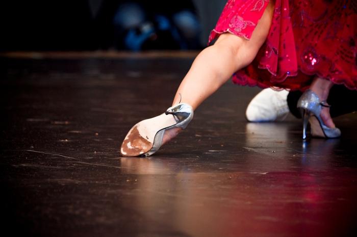 Pieds de danseurs de tango. Photo de Luca Boldrini.