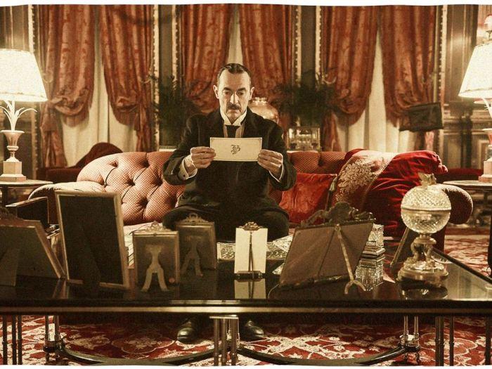 Image extraite du film Au revoir là-haut, d'Albert Dupontel. © Jérôme Prébois / ADCB Films