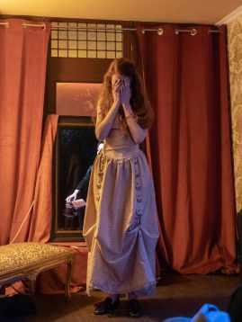 Vigdis Gondinet incarnant la comédienne Sybille Vane.